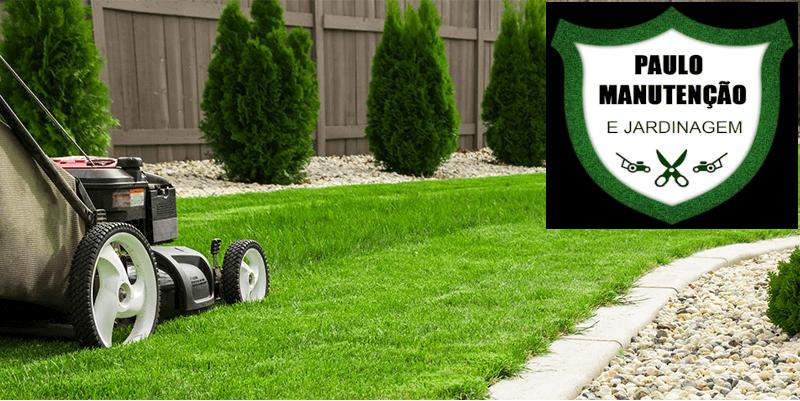 máquina corta gramas sobre grama verde serviços de manutenção e jardinagem porto seguro